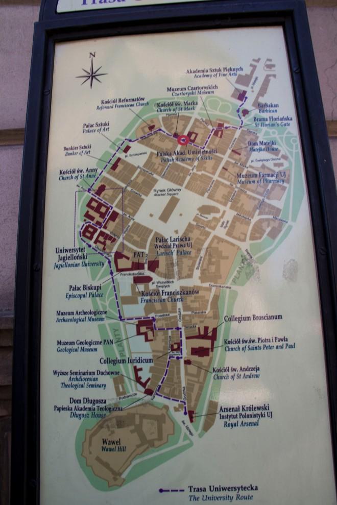 Mapa de Kraków, en el exterior se puede ver el anillo verde.