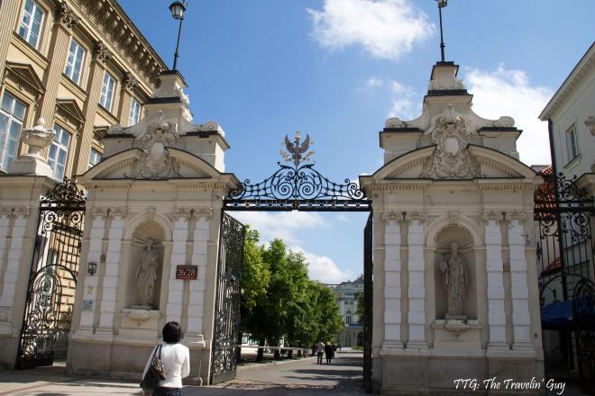 Entrada a la Universidad de Warszawa
