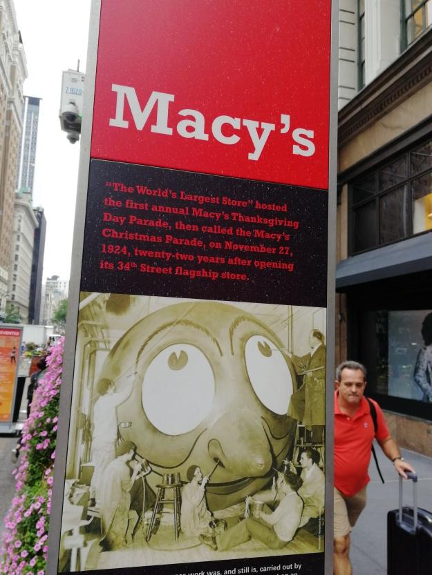 d5e9fa073 Entre los mejores sitios para irse de compras están el centro comercial  Macy s